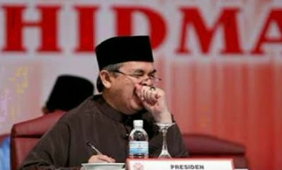 Abdullah Badawi sleeping 2