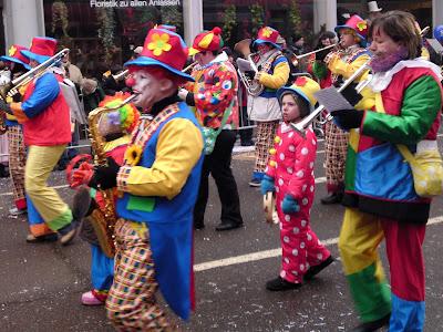 clowns, carnival