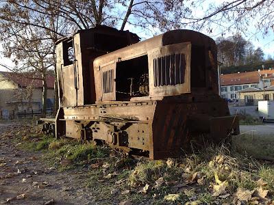 train, rust,