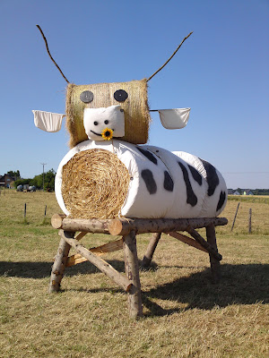 cow, straw