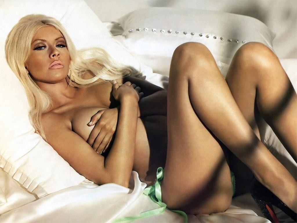 http://4.bp.blogspot.com/_sIsR_xZ02MY/TP_iPdSrWzI/AAAAAAAAB78/Nj-5Cul0NAU/s1600/Christina-Aguilera-Sexy-Pose-Naked.jpg