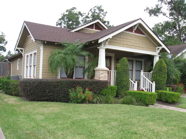 The other houston 1926 palm tree bungalow houston heights for American cottage style homes