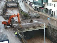 Demolição de uma ponte sobre a Ribeira de Santa Luzia