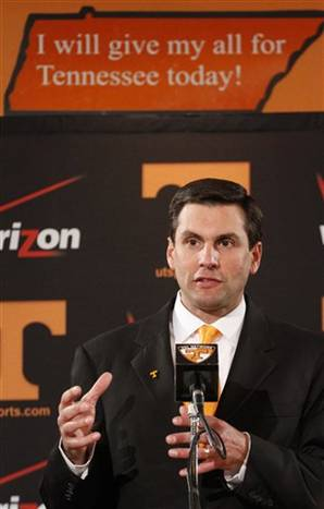 TENNESSEE HIRES DERRICK DOOLEY AS THEIR NEXT FOOTBALL COACH