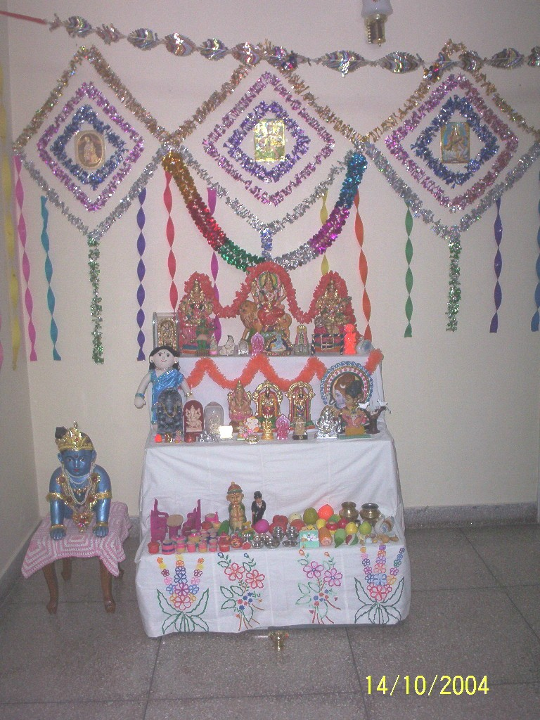 Easy crafts explore your creativity artsy craftsy sept for Navratri decorations at home
