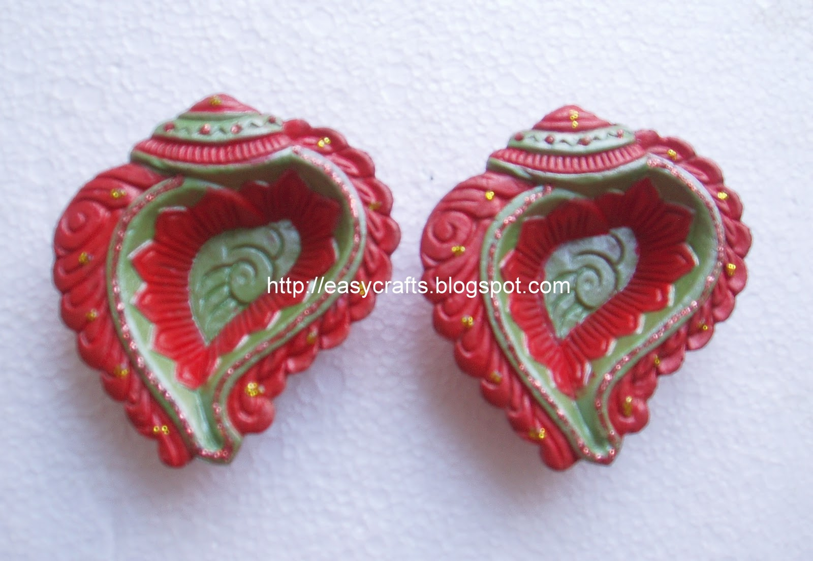 Easy crafts explore your creativity painted diyas agal for Agal vilakku decoration