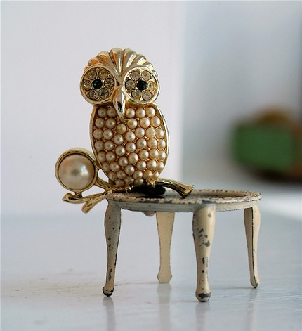 [owlbrooch.jpg]