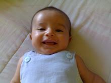Meu lindo (quase) sempre sorrindo! - março 2010