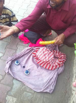 Pune India Koregoan Park street magician