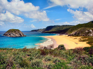 Praia do Léao, great snorkeling between the islands there