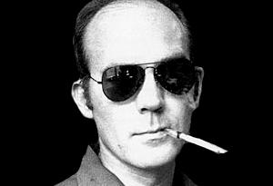 Hunter S. Thompson et son fameux fume-cigarette