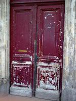 La porte de l'immeuble où vit Harry Ricks, personnage principal de La Femme du Ve. © Harry Fandor