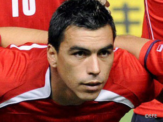 World cup hotties chile cachai for Esteban paredes 7
