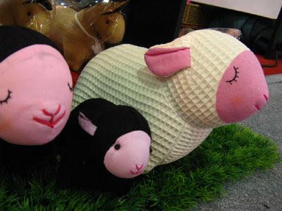 'สยามภูมิ' ตุ๊กตาดูดกลิ่น ภูมิปัญญาไทยร่วมสมัย เพิ่มคุณค่าสินค้าได้ดี