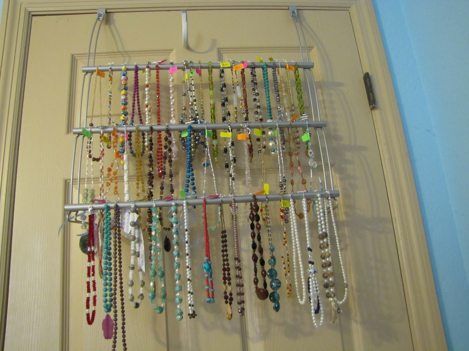 To bead or not to bead what a question necklace storage idea - Porta collane da armadio ...