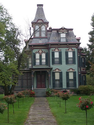 victorian house. I love Victorian Houses.