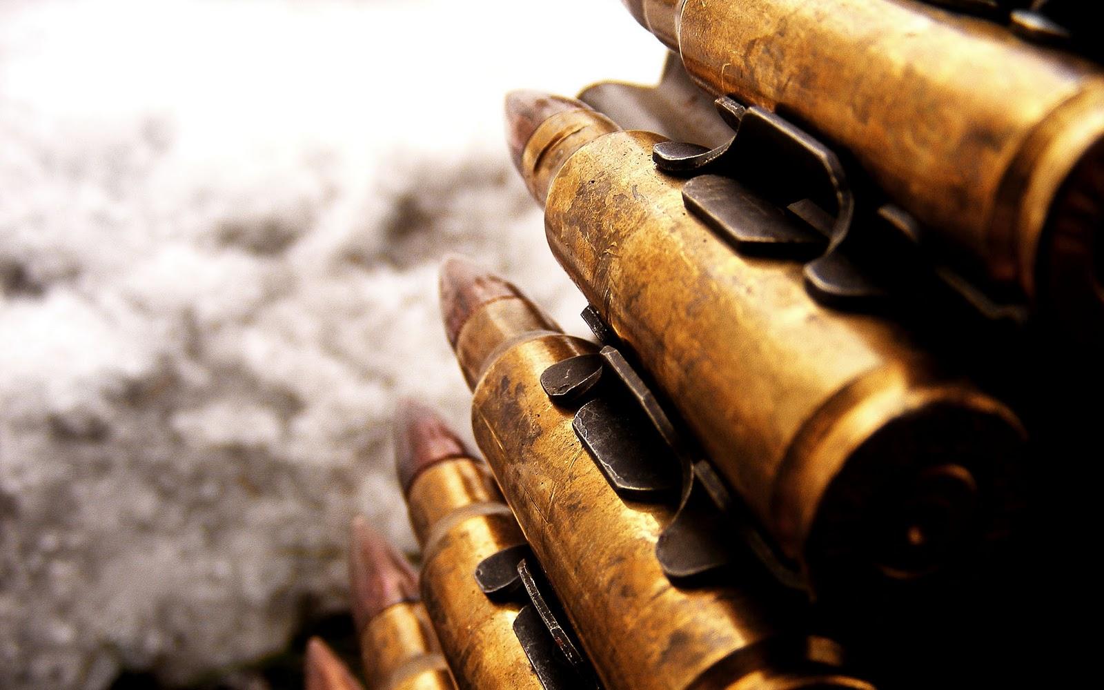 http://4.bp.blogspot.com/_sRGU_JXOz6E/TU16dGiLliI/AAAAAAAABf8/E3MJ5AtVXBg/s1600/4062_gun_guns_weapons.jpg