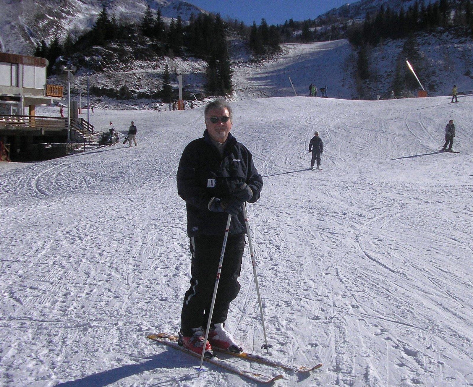 [P2050538+Robin+at+mont+dolme+skiing.JPG]