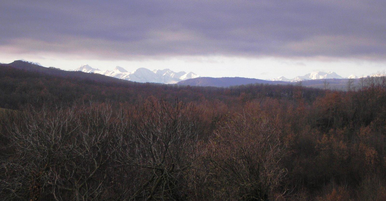 [P1090383+winter+snow+mountains+view.JPG]