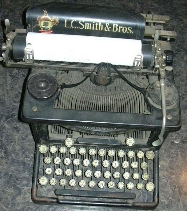 [Typewriter.JPG]