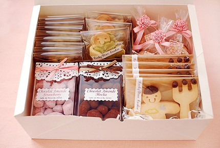 [romanticPINK+on+Etsy+Pink+Rose+String+for+gift+ensemble+wedding+favor+cookie+packages+dessert+packaging+ideas4.jpg]