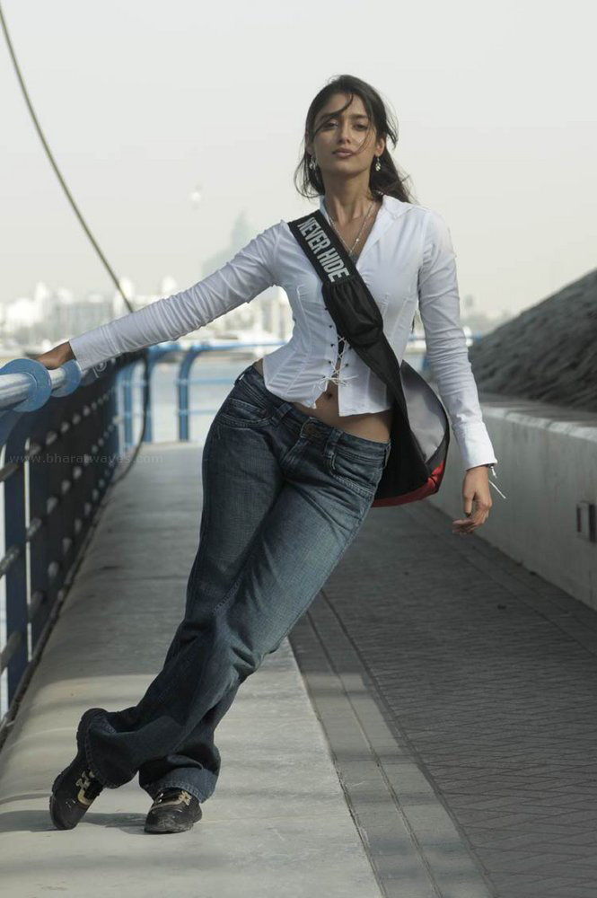 ILEANA LATEST IMAGES FROM RECHIPO HER NEW FILM WITH NITIN