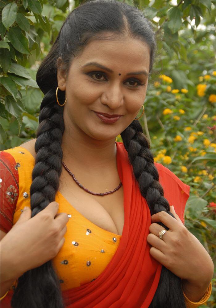 Hot Mallu Masala Actress Aproova N Spicy Eposing