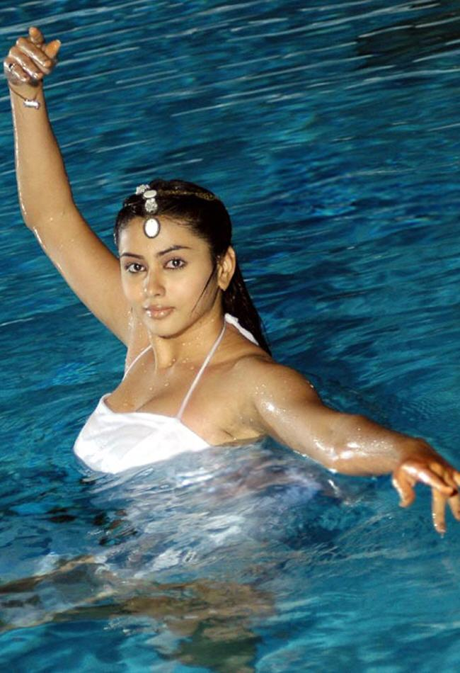 hot latest images of namitha