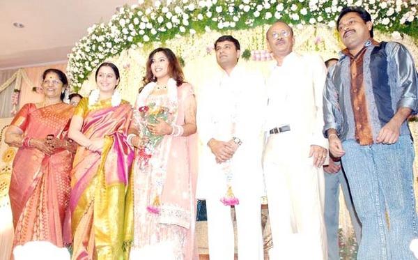Telugu actress meena wedding