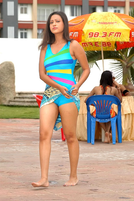madalasa sharma bikini or swim suit act very unseen pics
