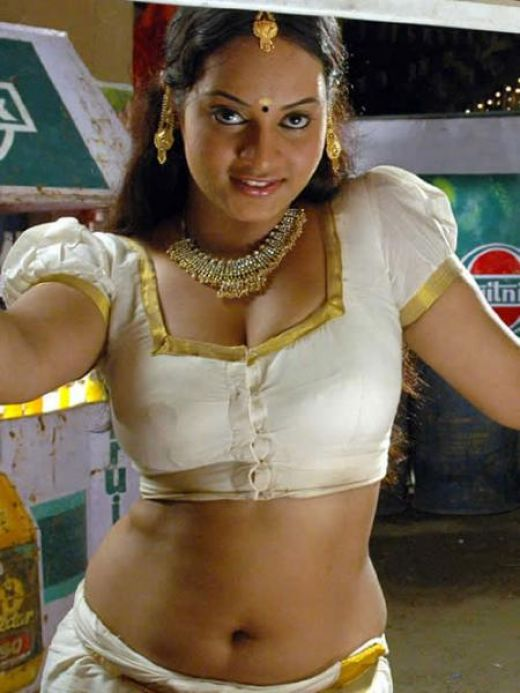 Hot Mallu Saree Eposing