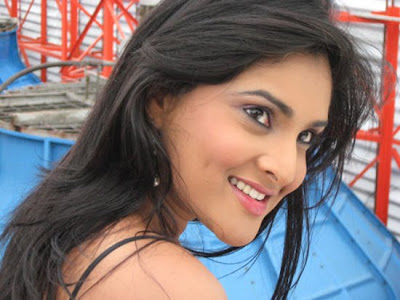 hot kannada tamil actress divya or ramya hot show pics