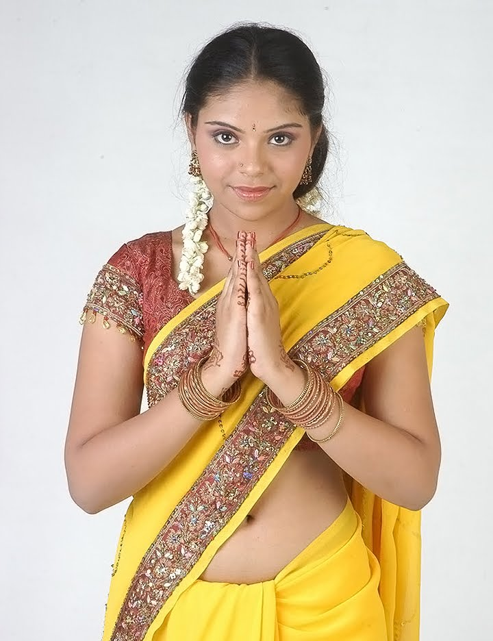 New Actress Gubeda hot show in saree | Fashion,Latest fashion