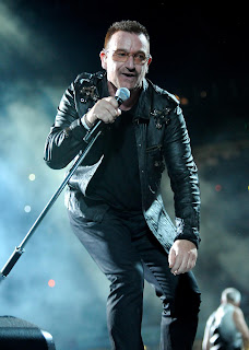 Bono em show da turnê 360º