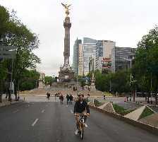 En bicicleta por Reforma
