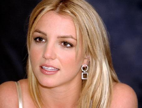 Britany Spears - In The Zone; Britany Spears Pictures; Toxic Britany Spears ...