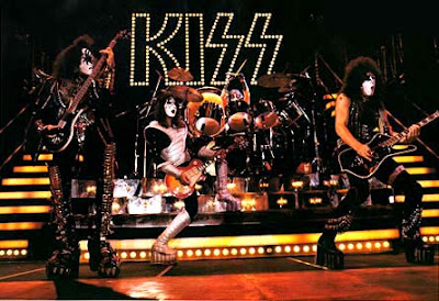 glam rockers kiss