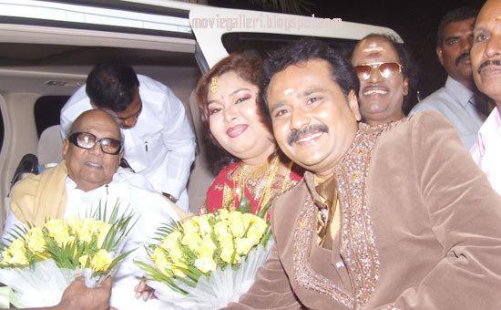 [Tamilnadu-CM-karunanidhi-wishes-Ganesh-Aarthi-wedding-Reception-stills-01.jpg]