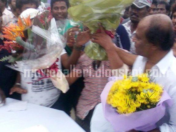 [Rajini-Birthday-Celebrations-Enthiran-sets-09.jpg]