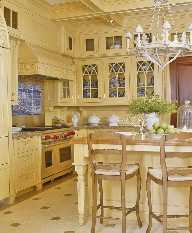 Whitehaven off white kitchens for Traditional kitchen