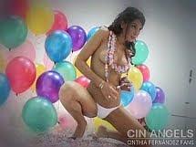 Cinthia con globos