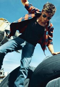 estrellas y musica: Zac Efron nuevo photoshoot para Details Magazine Zac Efron Details Photoshoot