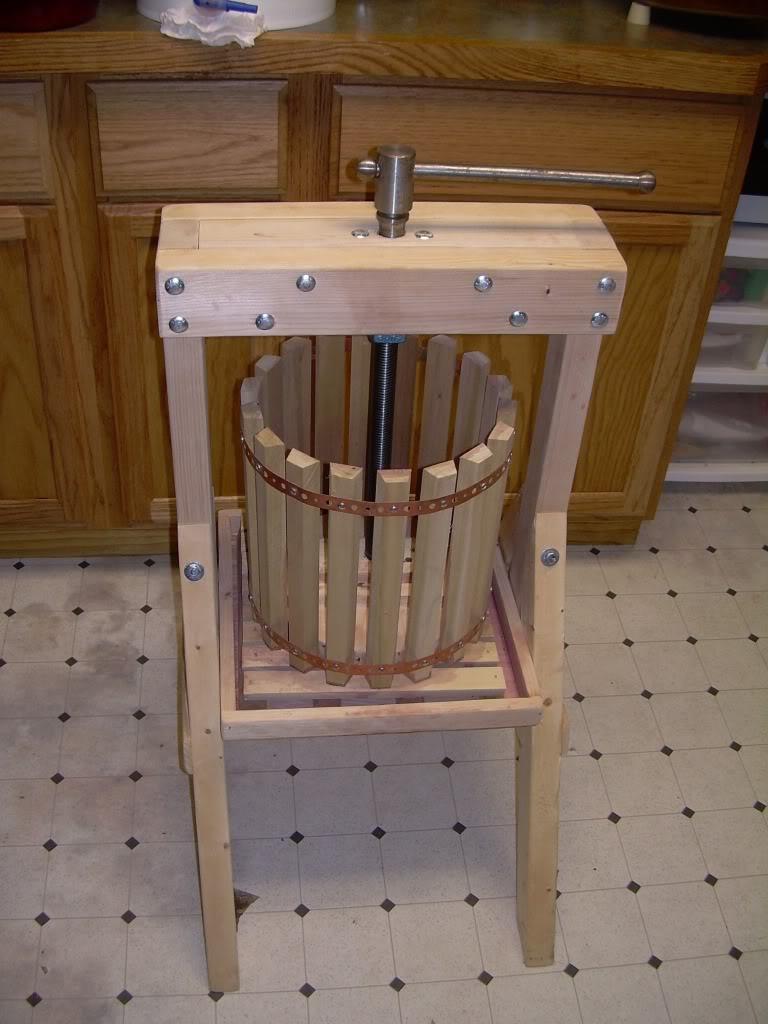 Oak den winery wine press for Home wine press