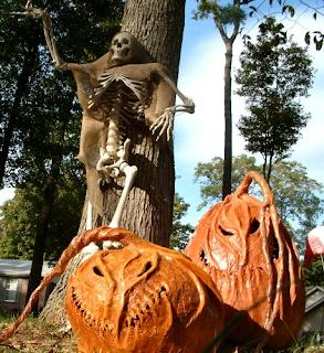 >>> CALABAZAS  Y DECORACION EN PAPEL MACHE....  Spookybluepumpkins