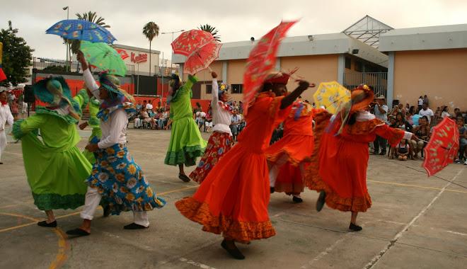 bailando tradición, y tejiendo lazos