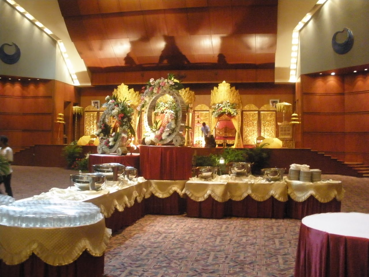 wedding auditorium decoration