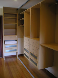 Contoh Wardrobe Walk-in closet