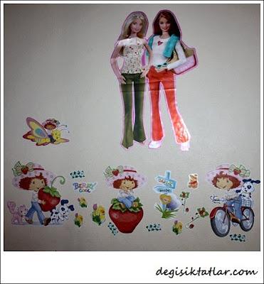 Barbie Ve Çilek Kız Duvar Sticker