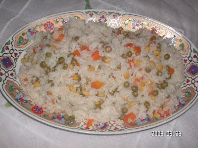 Mısırlı,Bezelyeli,Havuçlu Pirinç Pilavı (Sebzeli Pilav)