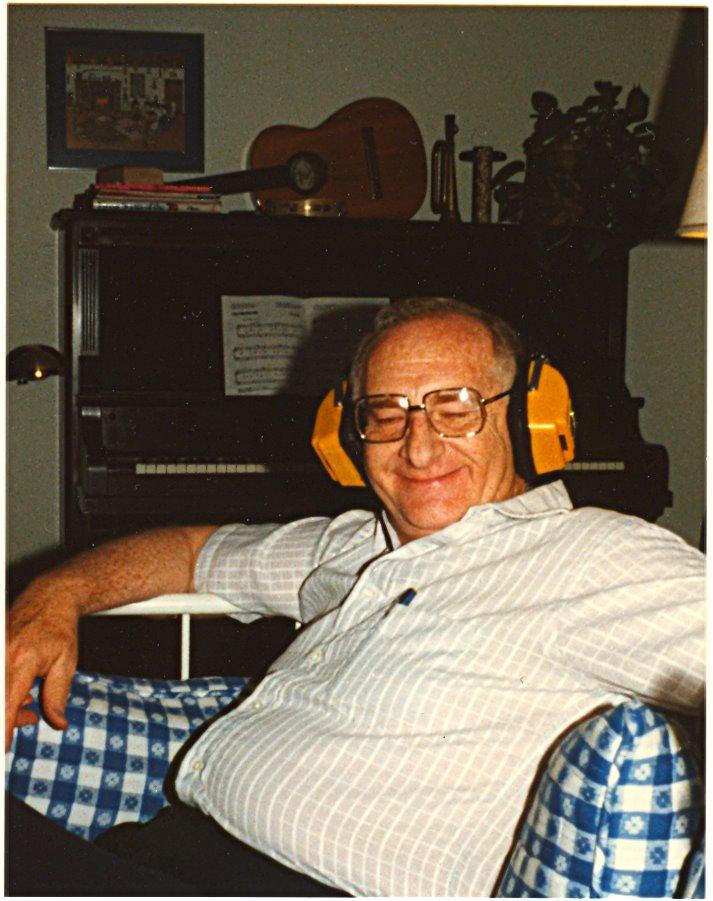 [Grandap-Headphones.jpg]
